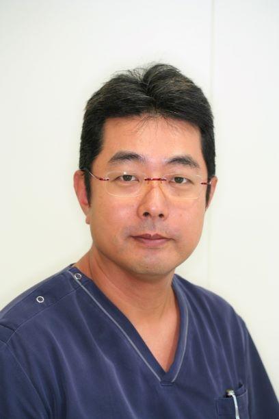 川崎市武蔵新城の歯医者・歯科ふぁみりあ歯科の院長紹介です。