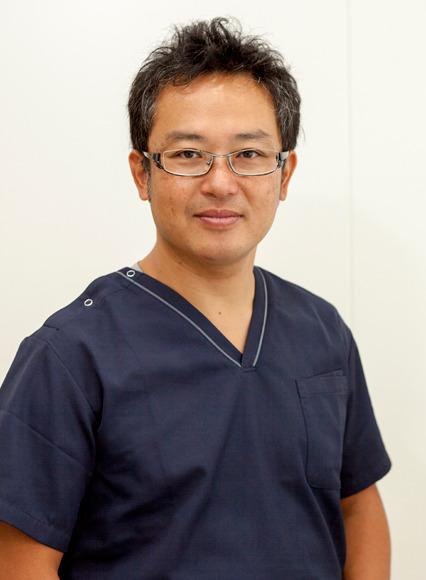 川崎市武蔵新城の歯医者・歯科ふぁみりあ歯科の理事長紹介です。